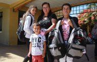 Entregan set escolares a estudiantes de Monte Patria