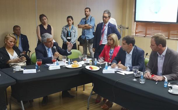 """Rentería: """"Debemos cambiar la idea de que Ovalle recibirá a pacientes enfermos de todo Chile"""