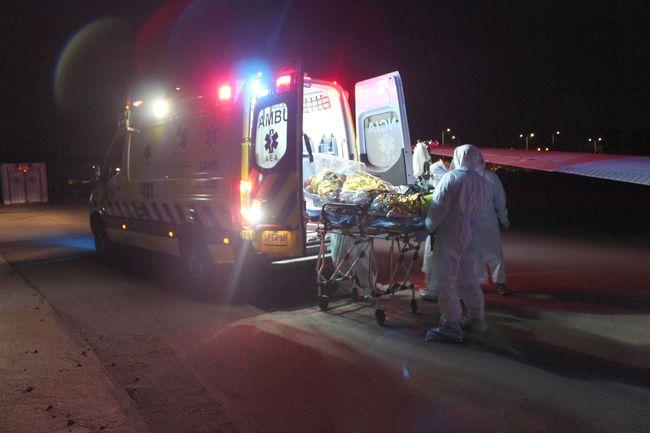 Hospital de Contingencia de Ovalle recibe a dos pacientes críticos desde Iquique