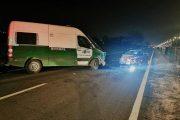 Carrera clandestina concluye con vehículo de carabineros chocado