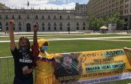 Frente a La Moneda exigen justicia para ecuatoriano asesinado en La Serena
