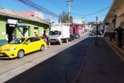 Paraderos de locomoción colectiva son ocupados por vehículos particulares