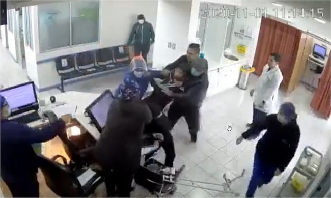 Repudian ataque de sujeto descontrolado a funcionarios de Consultorio