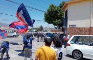 Calurosa despedida de hinchas azules de Ovalle a Carlos Campos