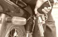 """""""Motochorros"""" disparan contra joven en la vía pública: grave"""