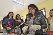 """Últimos días para inscribirse en el taller """"Mujeres Gásfiter en tu Barrio"""" de Aguas del Valle"""