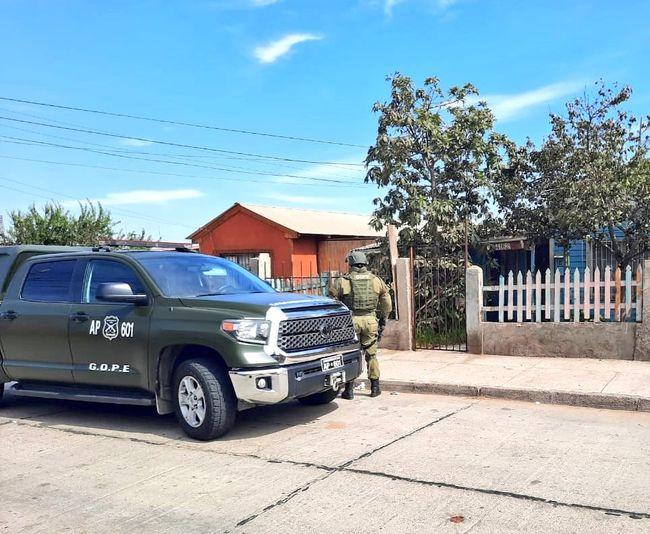 Detienen a hombre que amenazó con volar la casa familiar: GOPE decomisó tres explosivos