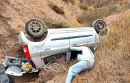 Automóvil desbarranca cuando transitaba en ruta a Oruro